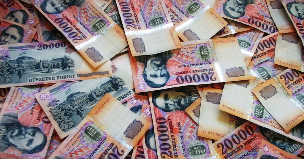 Ülnél 1 hónapot egy milliárd forintért?