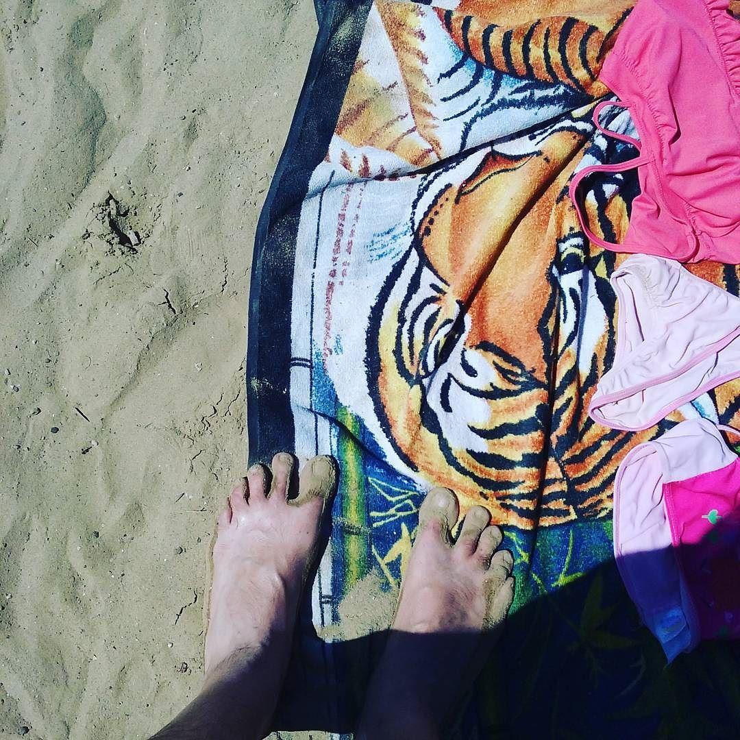 #summer #beach #heyitsmyfeet #wtfatiger #peppapig