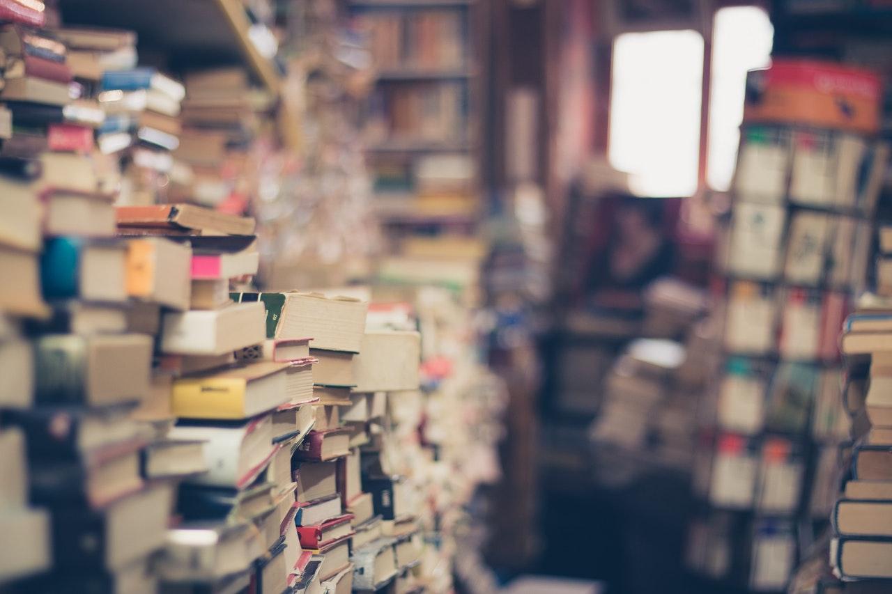 Tényleg unalmasak a kötelező olvasmányok?